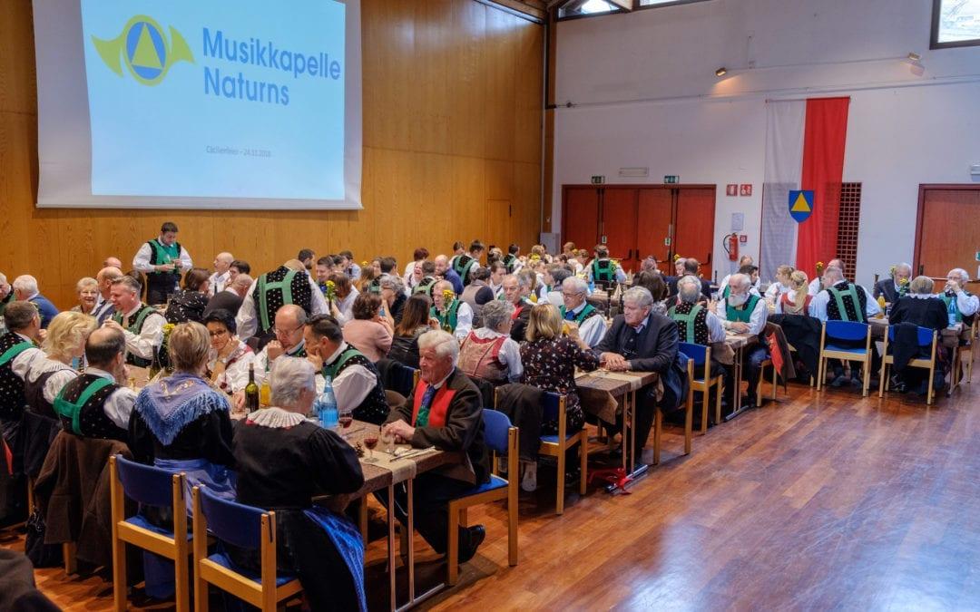 Geehrte und neue Ehrenmitglieder bei der Musikkapelle Naturns